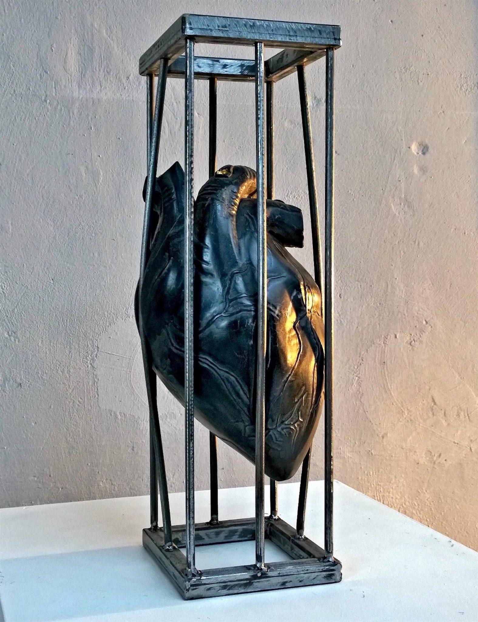 Nazareno Biondo Inwardness marmo nero, oro, ferro, 50x20x20cm 2016